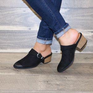 Shoes - 🖤Black stack heel western style side buckle mule